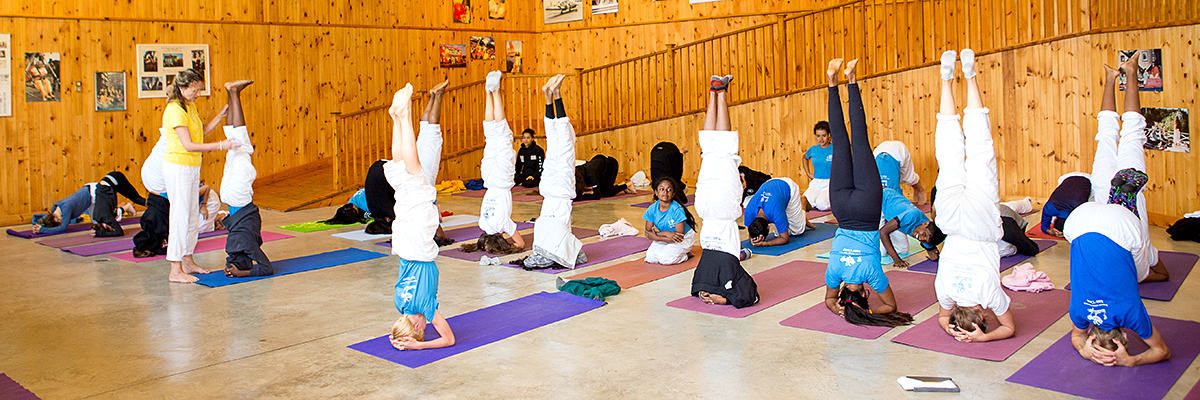 The KING of all Asanas- Sirshasana (Headstand) by Tejas