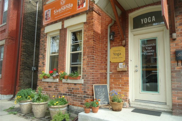 Outside view of Toronto Sivananda Yoga Centre