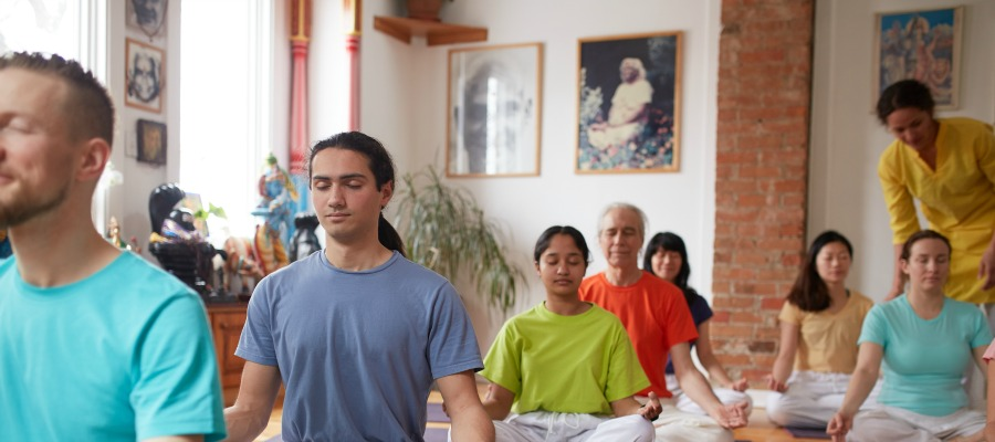 Teaching Meditation - Toronto Sivananda Yoga Centre