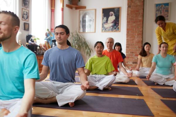 Teaching Meditation - Toronto Sivananda Yoga Centre