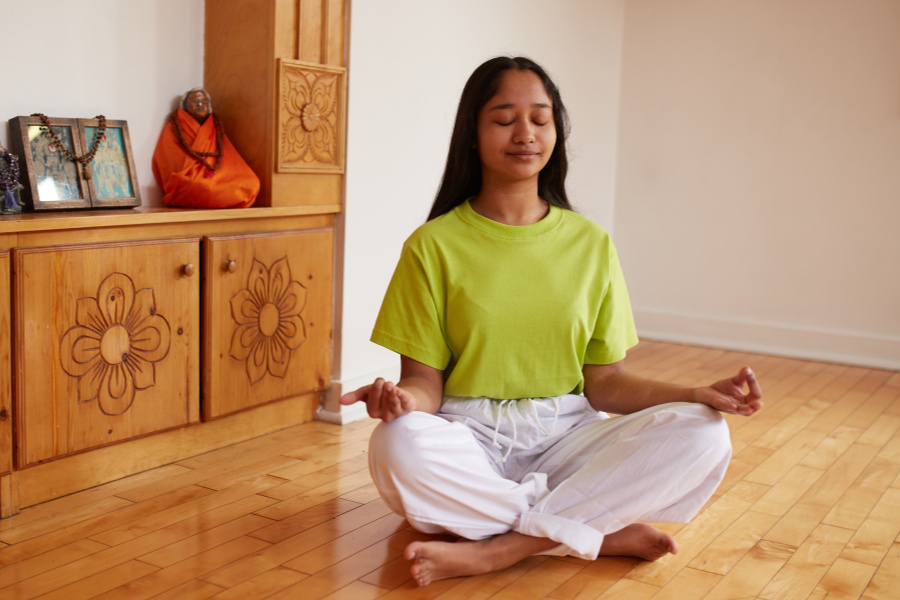 girl in meditation - sivananda yoga toronto