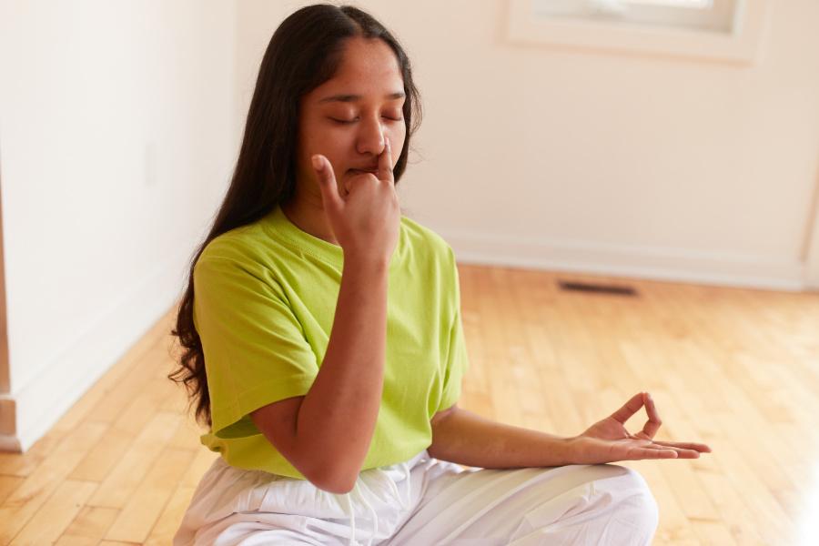 Alternate Nostril Breathing - Toronto Sivananda Yoga Centre