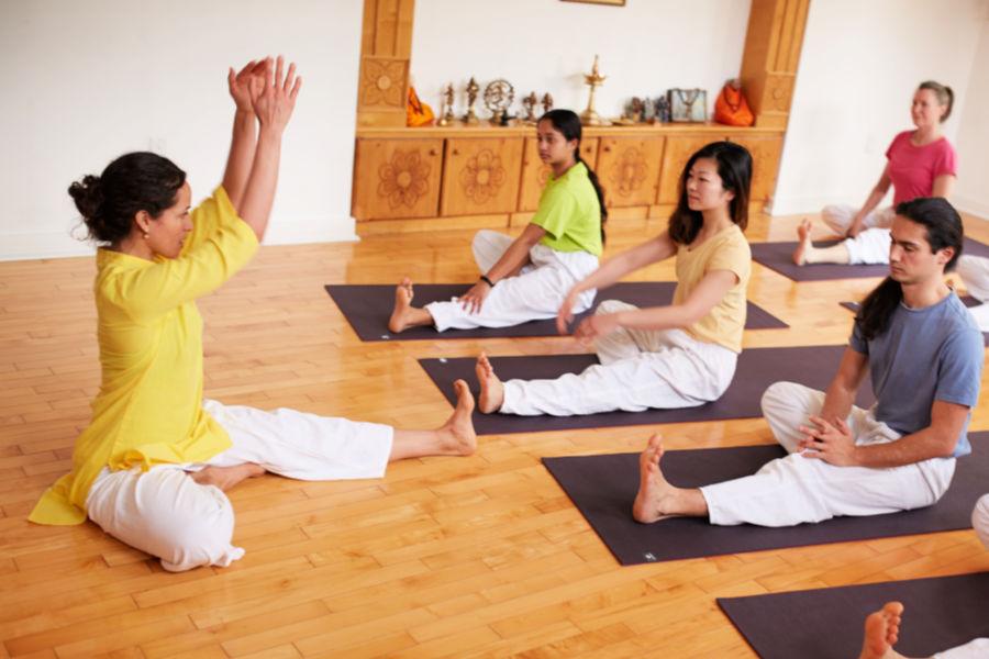 Janu sirshasan yoga pose - Toronto Sivananda Yoga Centre
